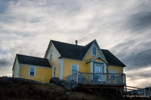 The darkening sky makes this home look a little creepy